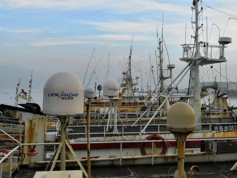 海上通卫星通信设备.jpg